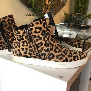 Kenneth Cole Leopard Print High Top Sneakers
